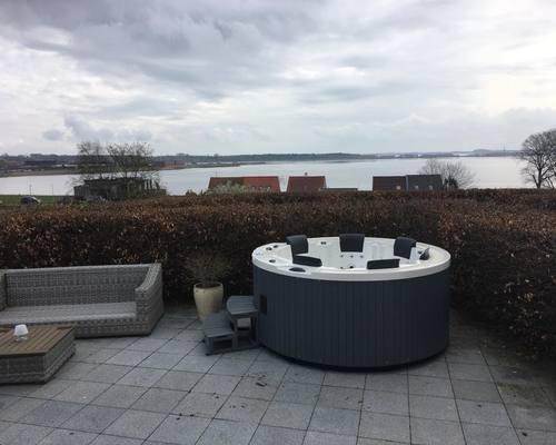Luksus udespa installeret hos kunde fra Nykøbing Mors